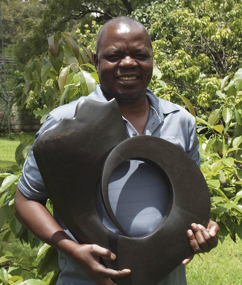 Nesbert Mukomberanwa portrait photo