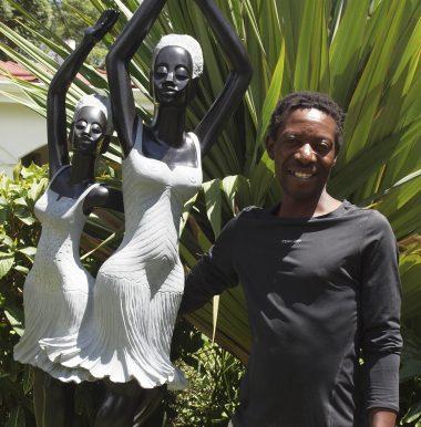 Shona sculptor Rufaro Murenza portrait photo